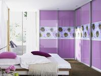 Aranżacje sypialni z zabudową szafy narożnej. Systemy zabudowy wnętrz